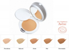 Avene Couvrance Compact SPF30 ten uscat 04 honey 10 g